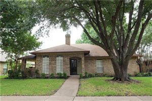 Photo of 318 Faircrest Drive, Garland, TX 75040 (MLS # 14164856)