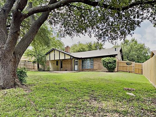 Photo of 6509 Cliffside Drive, North Richland Hills, TX 76180 (MLS # 14349856)
