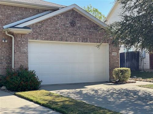 Photo of 7424 Howling Coyote Lane, Fort Worth, TX 76131 (MLS # 14697856)