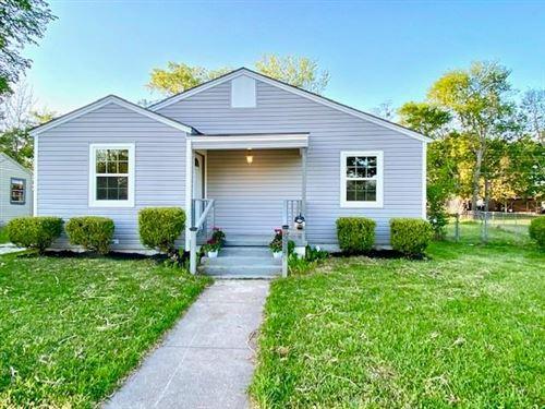 Photo of 554 Loraine Circle, Greenville, TX 75401 (MLS # 14552861)