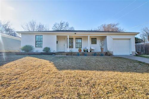 Photo of 2804 Raton Drive, Fort Worth, TX 76116 (MLS # 14502862)