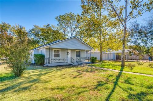 Photo of 710 Willow Street, Sanger, TX 76266 (MLS # 14281866)
