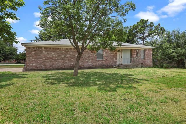 501 W Mccart Street, Krum, TX 76249 - #: 14611867