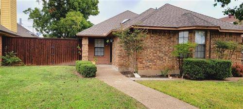 Photo of 1194 Meadow Park Lane, Grand Prairie, TX 75052 (MLS # 14691872)