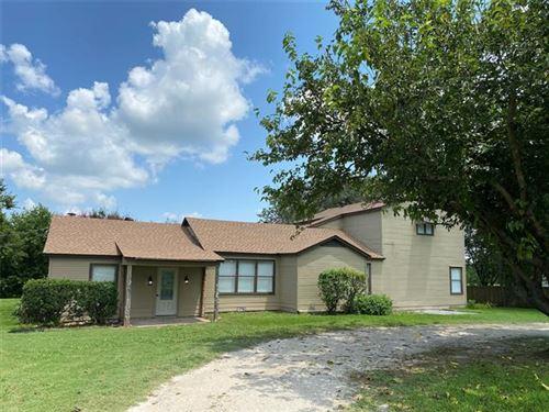 Photo of 3200 N Weaver Street, Gainesville, TX 76240 (MLS # 14629877)