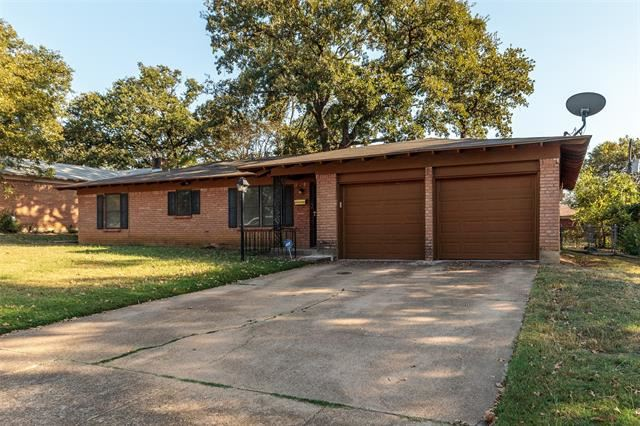 6412 Brentwood Drive, Fort Worth, TX 76112 - #: 14453880