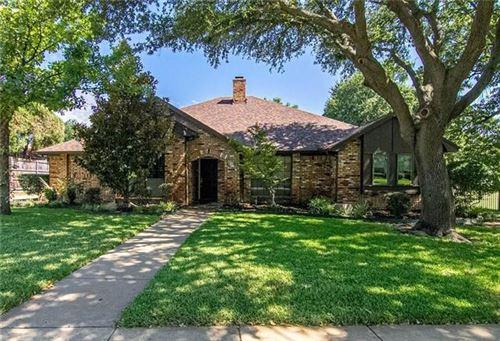 Photo of 512 Heneretta Drive, Hurst, TX 76054 (MLS # 14523883)