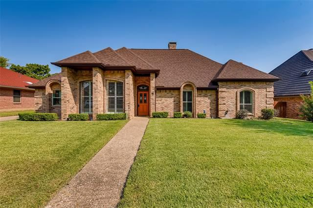 504 Evergreen Drive, Hurst, TX 76054 - #: 14669895