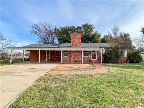 Photo of 330 S 7th Avenue, Munday, TX 76371 (MLS # 14379896)