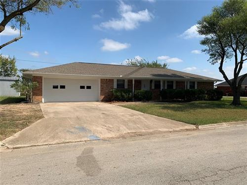 Photo of 2006 College Street, Gainesville, TX 76240 (MLS # 14456896)