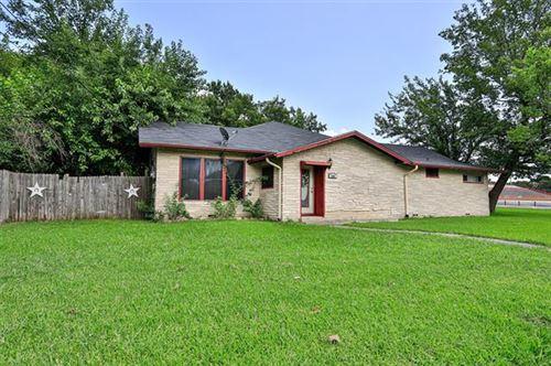 Photo of 930 S Dixon Street, Gainesville, TX 76240 (MLS # 14625901)