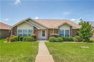Photo of 5834 Winell Drive, Garland, TX 75043 (MLS # 14139902)