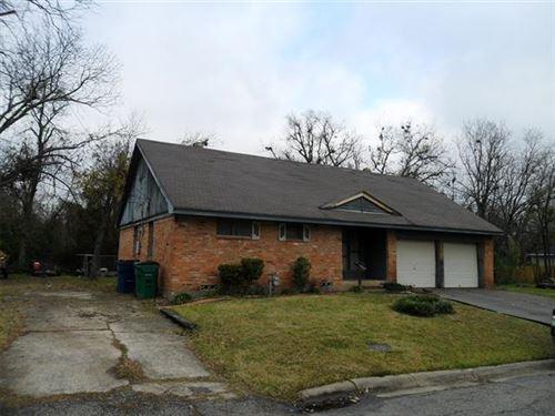 Photo of 1220 Hemphill Street, Greenville, TX 75401 (MLS # 14475904)