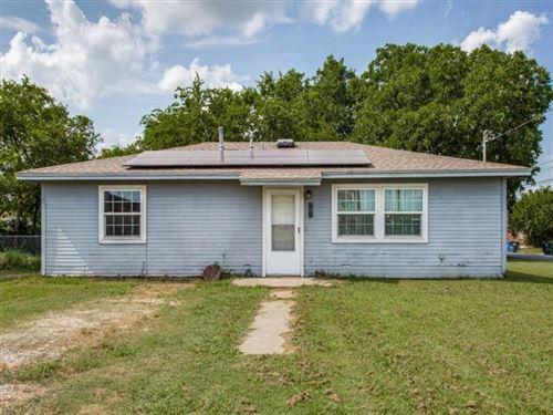 Photo of 301 Elm Street, Sanger, TX 76266 (MLS # 14621904)