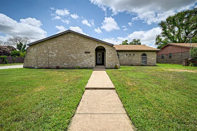 7636 Castillo Road, Fort Worth, TX 76112 - #: 14625904