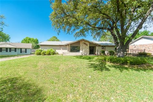 Photo of 14445 Southern Pines Court, Farmers Branch, TX 75234 (MLS # 14231905)