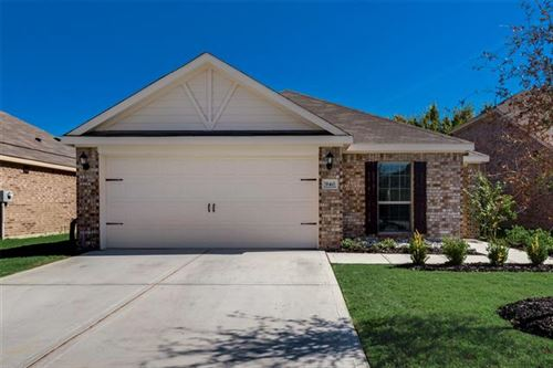 Photo of 940 First Street, Sanger, TX 76266 (MLS # 14689909)