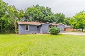 Photo of 241 Oak Drive W, Hurst, TX 76053 (MLS # 14454910)