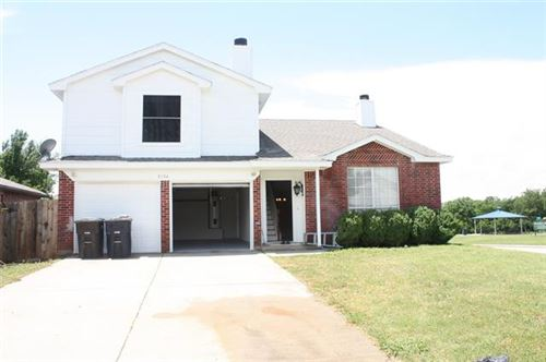 Photo of 8104 Dripping Springs Drive, Fort Worth, TX 76134 (MLS # 14578912)
