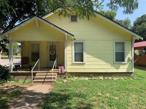 Photo of 701 S Austin Street, De Leon, TX 76444 (MLS # 14437913)