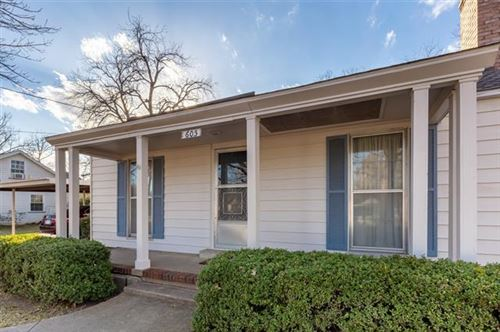Photo of 605 Frontier Street, River Oaks, TX 76114 (MLS # 14500913)