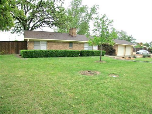 Photo of 1617 W Shady Grove Road, Grand Prairie, TX 75050 (MLS # 14557916)