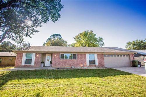 Photo of 909 N Dove Road, Grapevine, TX 76051 (MLS # 14450920)