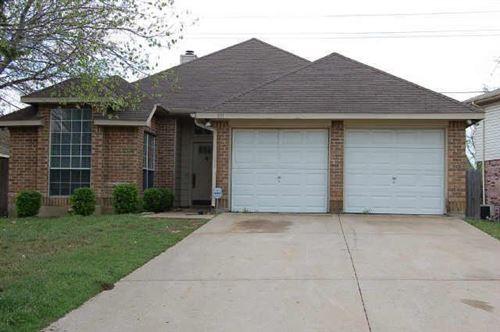 Photo of 811 Shady Brook Lane, Cedar Hill, TX 75104 (MLS # 14665920)