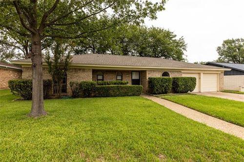 Photo of 825 Springdale Road, Bedford, TX 76021 (MLS # 14431923)
