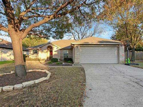 Photo of 3310 Poseidon Drive, Corinth, TX 76210 (MLS # 14477923)