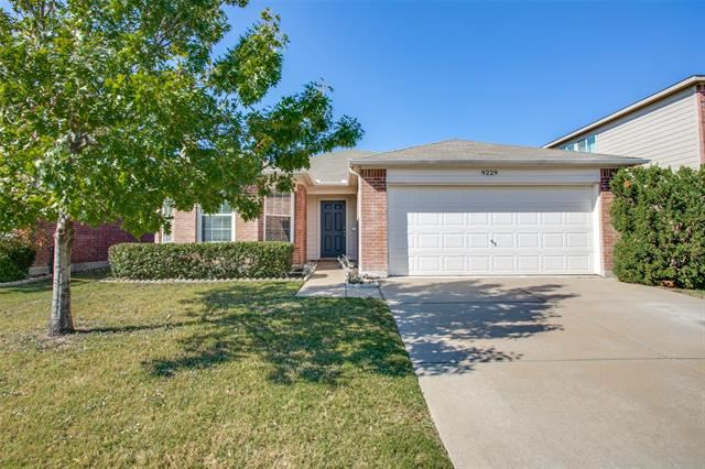 9229 Centennial Drive, Fort Worth, TX 76244 - #: 14465924