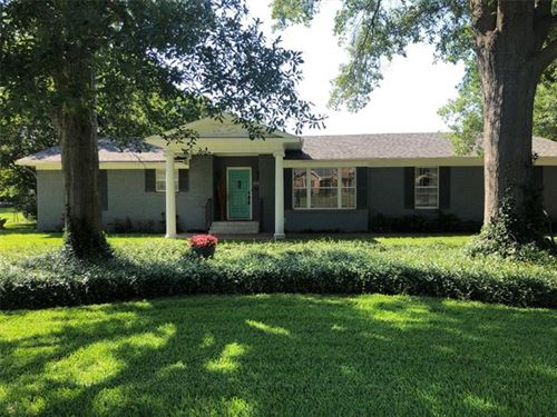 Photo of 209 Brookhollow, Terrell, TX 75160 (MLS # 14360928)