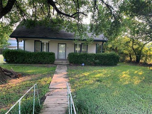 Photo of 701 S Boyce Drive, Garrett, TX 75119 (MLS # 14633933)