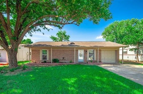 Photo of 304 E Stone Road, Wylie, TX 75098 (MLS # 14578934)