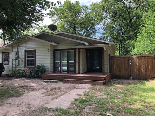 Photo of 1225 Walworth, Greenville, TX 75401 (MLS # 14365937)