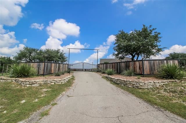 500 Sharla Smelley Road, Weatherford, TX 76088 - #: 14659938