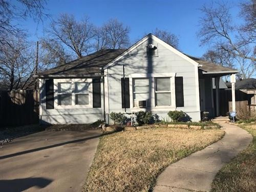 Photo of 220 E Division Street, Pilot Point, TX 76258 (MLS # 14243939)