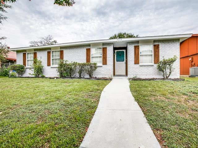 7215 Chinaberry Road, Dallas, TX 75249 - #: 14419939