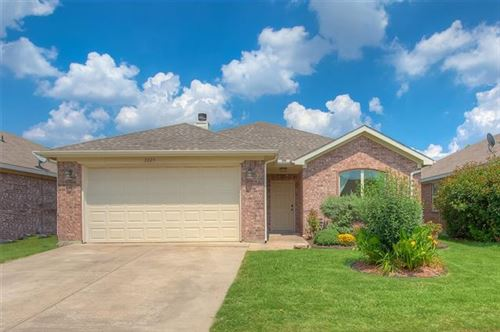 Photo of 2829 Wakecrest Drive, Fort Worth, TX 76108 (MLS # 14604941)