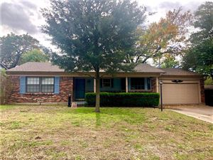 Photo of 3301 Covert Avenue, Fort Worth, TX 76133 (MLS # 13963943)