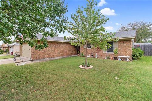 Photo of 208 San Jacinto Street, Waxahachie, TX 75165 (MLS # 14455944)