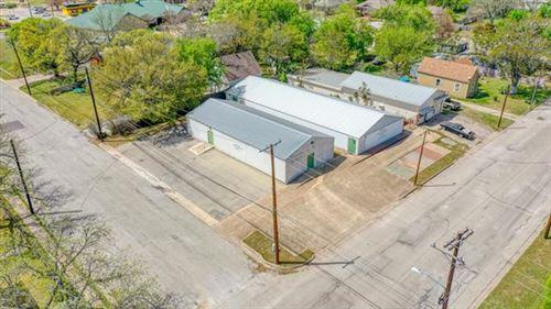 Photo of 601 N Elm Street, Weatherford, TX 76086 (MLS # 14554944)