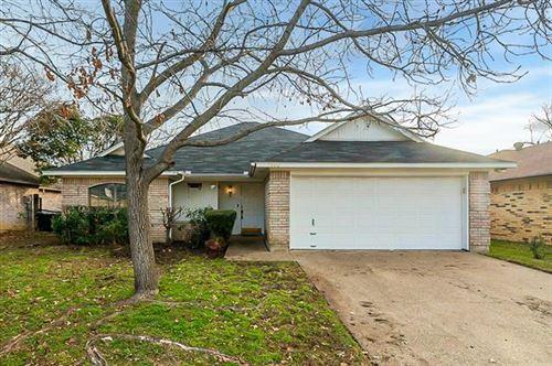 Photo of 7405 Laurelhill Court S, Fort Worth, TX 76133 (MLS # 14500951)