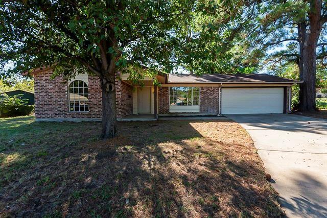 7050 Deewood Court, Fort Worth, TX 76112 - #: 14692951