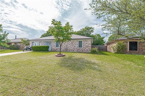Photo of 824 Vaughn Drive, Burleson, TX 76028 (MLS # 14578953)