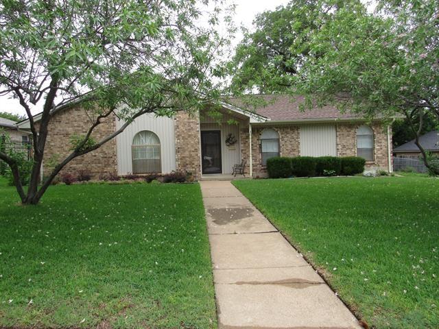 5721 Silver Lake Drive, Haltom City, TX 76117 - #: 14583958