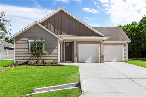 Photo of 1337 Green Field Drive, Gainesville, TX 76240 (MLS # 14469963)
