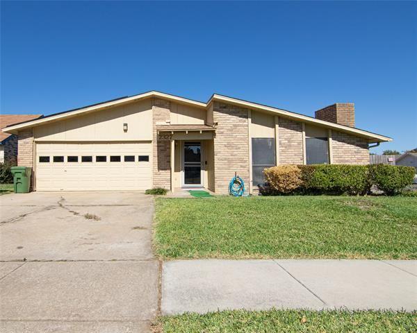 2327 Pennington Drive, Arlington, TX 76014 - #: 14439968