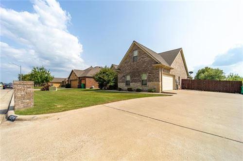 Photo of 1034 Elk Ridge Drive, Stephenville, TX 76401 (MLS # 14437970)
