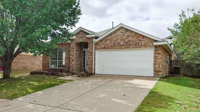 617 Oak Hollow Trail, Saginaw, TX 76179 - MLS#: 14694971